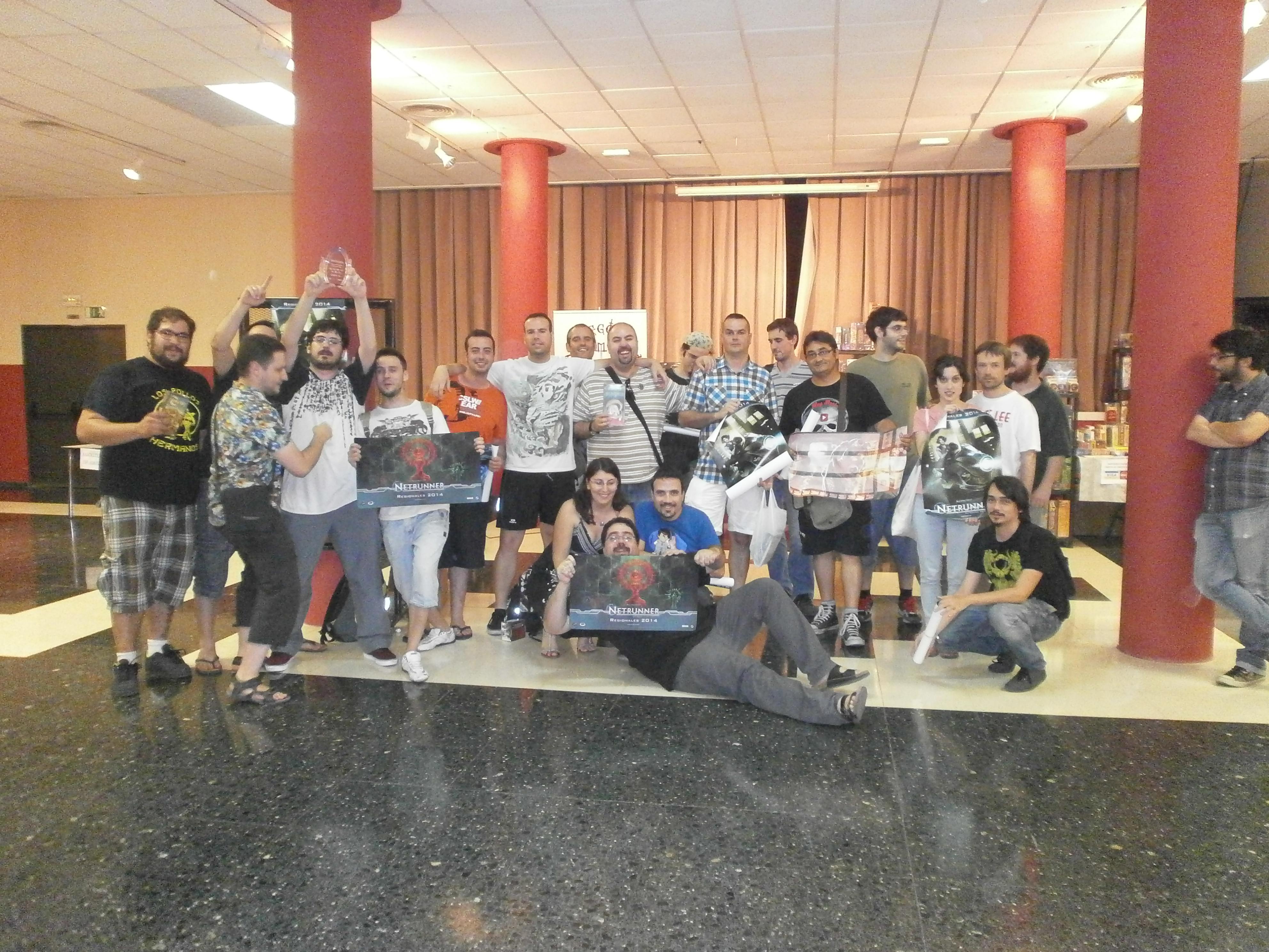 torneo regional de android netrunner en Valencia. Juegos de la Mesa Redonda